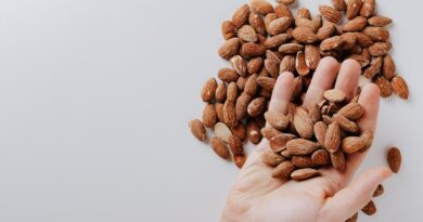 4-Healthy-Nuts-to-Reduce-Your-Risk-of-Heart-Disease